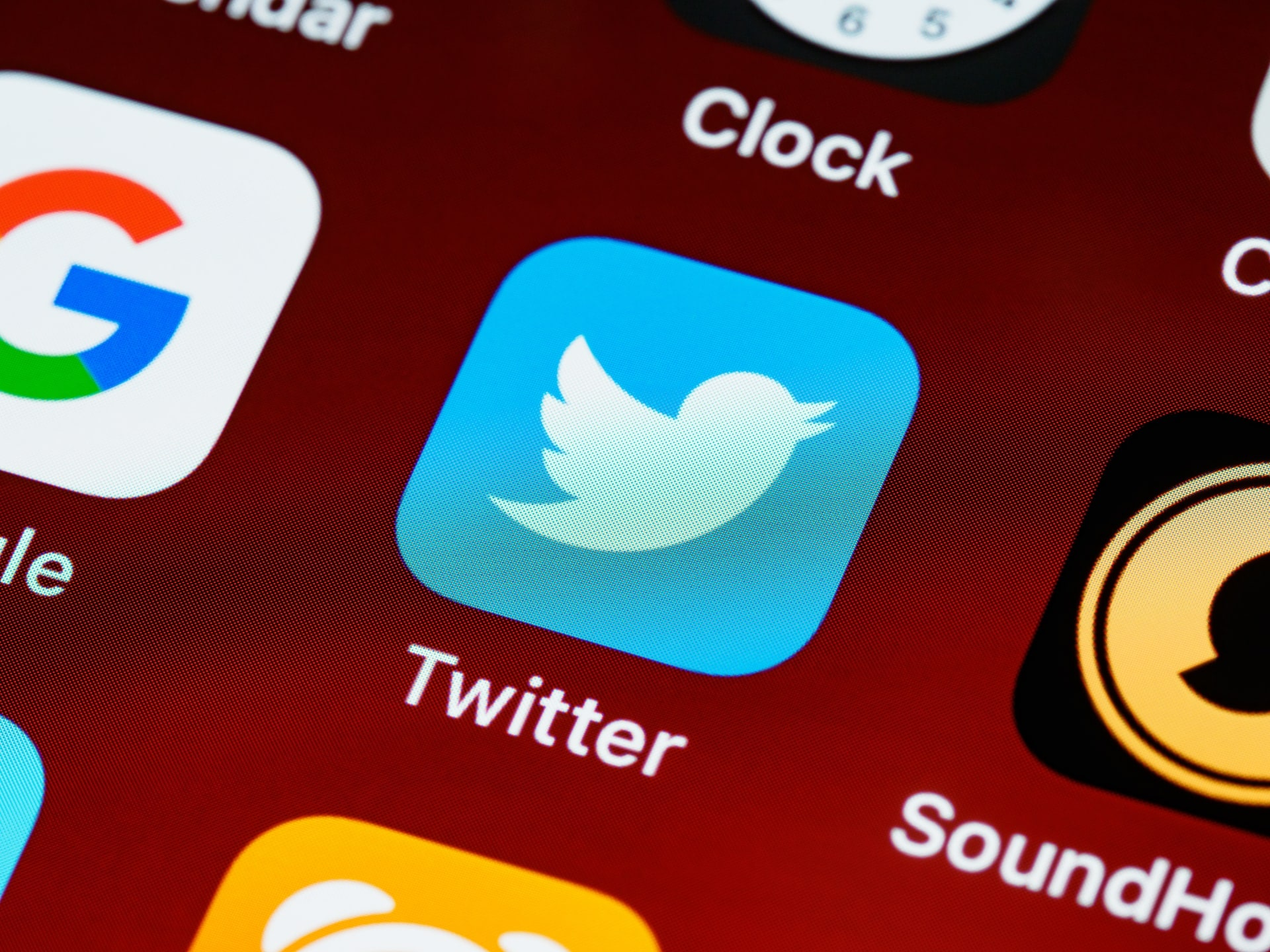 how to use twitter to boost your podcast audience